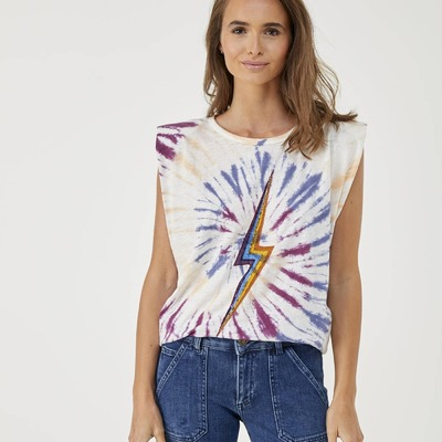 FIVE ⚡️ Camiseta rayo BEST SELLER ahora renovada!   #five #fivejeans #fivejeansspain #coolshop #coolzielo #coolcastellana200 #availableonline #shoppingnow #go #style #love