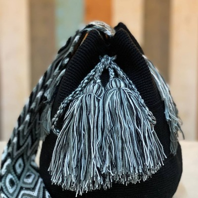 New In! 🌟 Bolsitos inspirados en la artesania Colombiana, alegres y divertidos!  Todos son diferentes!  SHOP NOW!  #coolthesackcoleccion #coolshop #coolonline #shoppingnow #availableonline #go
