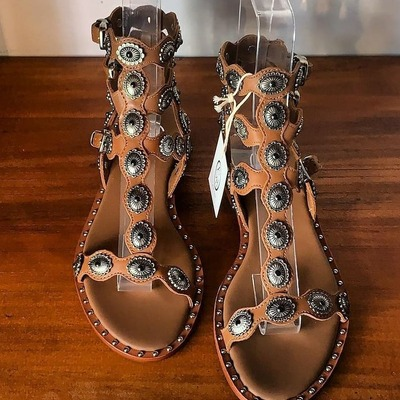 Hippie Chic!   ASH sandals 💛 Pasadena  #ash #ashspain #ashmadrid #ashonline #ashcoolthesack #ashshoes #ashitaly #multibrandstores #onlishopash #coolthesack
