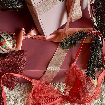 Christmas Gift L💘VE STORIES 15% OFF #lovestoriesintimates #lovestoriesmadrid #lovestories #availableonline #shoppingnow #coolthesack #madrid #multibrandstore #love #go